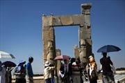 Kinh tế suy kiệt vì cấm vận dầu, Iran chuyển hướng sang du lịch