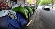 Cuộc sống chui lủi của những người tị nạn tại Pháp
