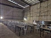 Sea Games 30: Ngỡ ngàng phòng họp báo sân Rizal vẫn còn dàn giáo và chưa quét sơn