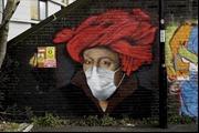Đi khắp thế giới ngắm tranh đường phố mang thông điệp phòng chống COVID-19