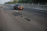 Phó Thủ tướng yêu cầu làm rõ trách nhiệm vụ hỏng mặt đường cao tốc Đà Nẵng – Quảng Ngãi