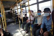 Hành khách đi xe buýt có bắt buộc phải khai báo y tế và đo thân nhiệt?
