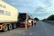 Vụ xe khách đâm vào xe container ở Nghệ An: Các nạn nhân bị thương đã chuyển ra Hà Nội điều trị
