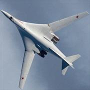 Hai máy bay ném bom Tu-160 lần đầu hạ cánh xuống vùng Viễn Đông Nga