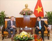 Phó Thủ tướng Phạm Bình Minh tiếp Đại sứ Anh Gareth Ward