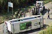 Lật xe buýt tại New Zealand, nhiều du khách Trung Quốc thiệt mạng