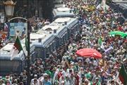 Hàng ngàn người Algeria biểu tình phản đối Chính phủ lâm thời