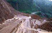 Mưa kéo dài ở Lai Châu gây sạt lở, ách tắc và cô lập cục bộ
