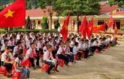 Học sinh vùng rốn lũ Hà Tĩnh, Quảng Bình hân hoan dự lễ khai giảng