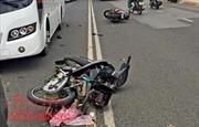Va chạm với ô tô khách, hai thiếu niên tử vong tại chỗ