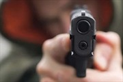 Hai đối tượng dùng súng cướp tài sản tại cửa hàng Bách Hóa Xanh