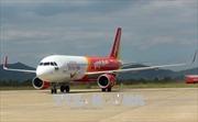 Máy bay Vietjet Air bong ốp cánh khi xuống sân bay Cát Bi