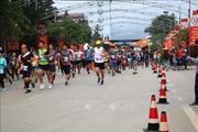 Hơn 1.000 vận động viên tham gia Giải Marathon Quốc tế 'Chạy trên cung đường Hạnh Phúc'