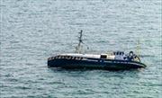 Thuyền gỗ bị lật vì quá tải, ít nhất 13 người thương vong