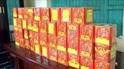 Bắt đối tượng vận chuyển gần 50 kg pháo lậu từ Lào về Việt Nam