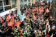 Tiếp tục biểu tình phản đối cải cách lương hưu tại Pháp