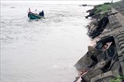 Hàng trăm mét kè biển ở Hà Tĩnh bị sạt lở do mưa lũ, triều cường