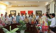 Đồng chí Võ Văn Thưởng trao quà Tết cho gia đình chính sách ở Đồng Nai