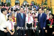 Tình cảm ấm áp của Chủ tịch nước Trần Đại Quang với các cháu thiếu niên, nhi đồng