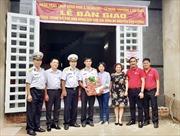 SeABank và Quỹ học bổng 'Vừ A Dính' trao tặng nhà đồng đội