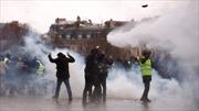 Vừa rung chuyển vì nổ lớn, Paris lại thành bãi chiến trường khi bạo loạn sang tuần thứ 9