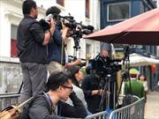 Phóng viên bao vây 'tổng hành dinh' đoàn Triều Tiên săn ảnh Chủ tịch Kim Jong-un