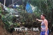 Thuỷ điện xả lũ, nhiều nhà dân ở Quỳ Châu, Nghệ An có nguy cơ bị cuốn trôi do sạt lở