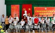 Chủ tịch Ủy ban Trung ương MTTQ Việt Nam tặng quà gia đình chính sách tại Hậu Giang, Cần Thơ