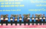 Trao Huân chương của Nhà nước Lào tặng các tập thể, cá nhân thuộc Quân đội nhân dân Việt Nam