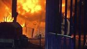 Trực thăng của ông chủ Leicester City bị rơi, cháy ngùn ngụt ngoài sân vận động