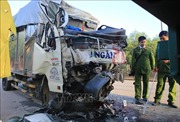 Xe tải tông vào đuôi xe container, 2 người tử vong tại chỗ