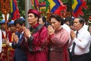 Chủ tịch Quốc hội Nguyễn Thị Kim Ngân dâng hương tưởng niệm các vua Hùng