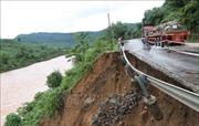 Nguy cơ sạt lở đất vùng núi, sụt lún đất ven sông ở Hà Tĩnh và Quảng Bình
