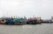 Bão số 6 kết hợp không khí lạnh gây gió giật cấp 15 ở giữa Biển Đông