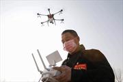 Máy bay không người lái và robot hỗ trợ kiểm soát COVID-19 tại Trung Quốc