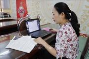 Dạy học online bị 'đứt mạng' ở vùng cao