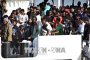 Italy dọa ngừng tài trợ nếu các nước EU không tiếp nhận người di cư