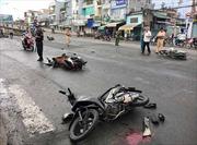 Va chạm xe máy với đồng hương, một phụ nữ Ba Lan tử vong do xe tải cán ngang người