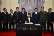 Đại sứ quán Việt Nam tại Campuchia tổ chức Lễ truy điệu, mở sổ tang và viếng Chủ tịch nước Trần Đại Quang