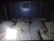 Bắt quả tang vụ vận chuyển khoảng 1.000 kg vật liệu chế tạo thuốc nổ