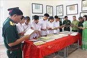 Trưng bày tư liệu về 'Hoàng Sa, Trường Sa của Việt Nam tại Hòa Bình