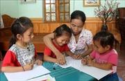 Gieo chữ ở vùng cao Tây Bắc - Bài 3: Chăm sóc học sinh như con