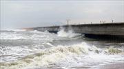 Khẩn cấp khắc phục kè biển bảo vệ sân bay Tuy Hòa