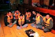 Kịp thời cứu nạn 7 ngư dân bị chìm tàu trên biển