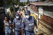 Khi đại dịch 'gõ cửa' nhà những lao động nghèo Nam Phi