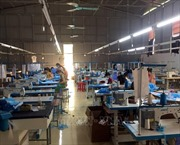 Phát hiện cơ sở sản xuất hàng nghìn khẩu trang không phép