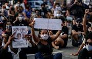 Tuần hành tại nhiều nước phản đối phân biệt chủng tộc