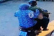 Cặp đôi chuyên dàn cảnh, trộm cắp tài sản của phụ nữ đi xe máy