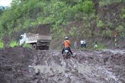 Mưa lũ gây sạt lở nhiều đoạn đường tại huyện Nậm Pồ, Điện Biên