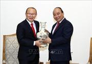 Thủ tướng Nguyễn Xuân Phúc tiếp HLV Park Hang-seo